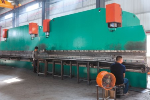 大型锥杆生产线