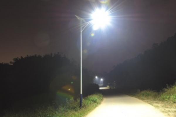 关于太阳能路灯的组成景观灯厂家来告诉你